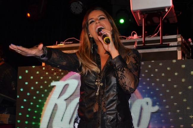 Show na Miranda, Lagoon, teve solo da nossa vocal Mariana Féo!